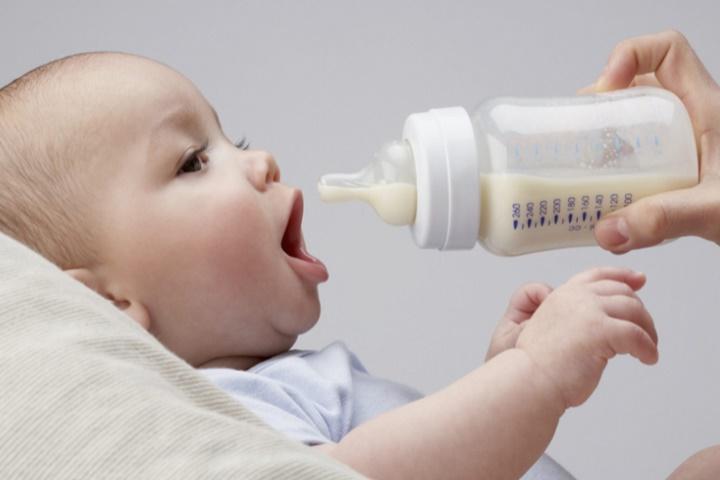 tanda bayi tidak cocok susu formula